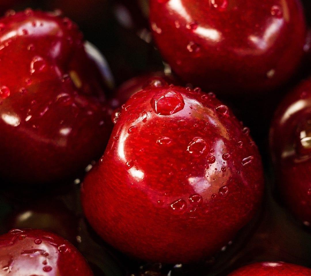 كريز من أشهى الفواكه