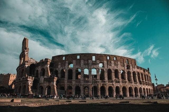 من معالم السياحة في ايطاليا مدرج الكولوسيوم