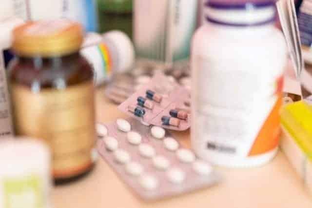 الكثير من الأدوية لعلاج أنواع الصداع