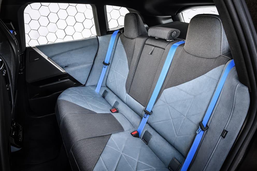 التصميم من الداخل BMW