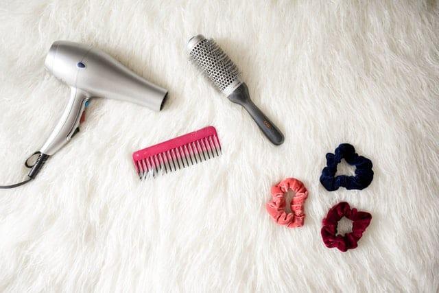 أدوات تصفيف الشعر