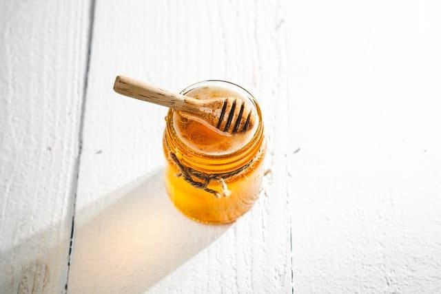 تمتعي بفوائد العسل
