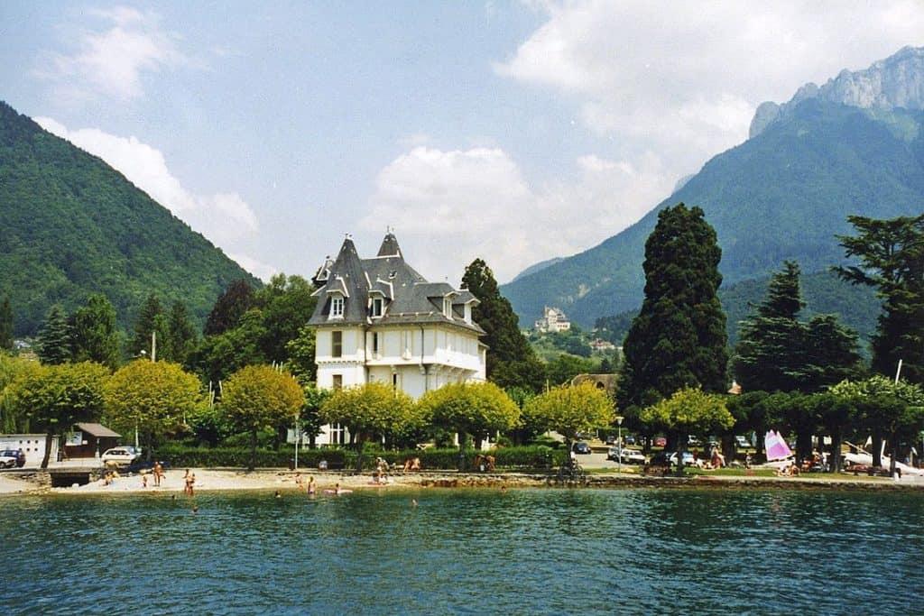 بحيرة انسي - السياحة في فرنسا