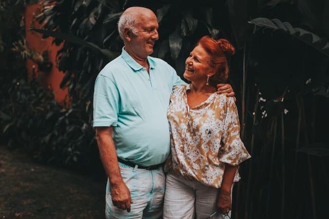 زوجان في منتصف العمر