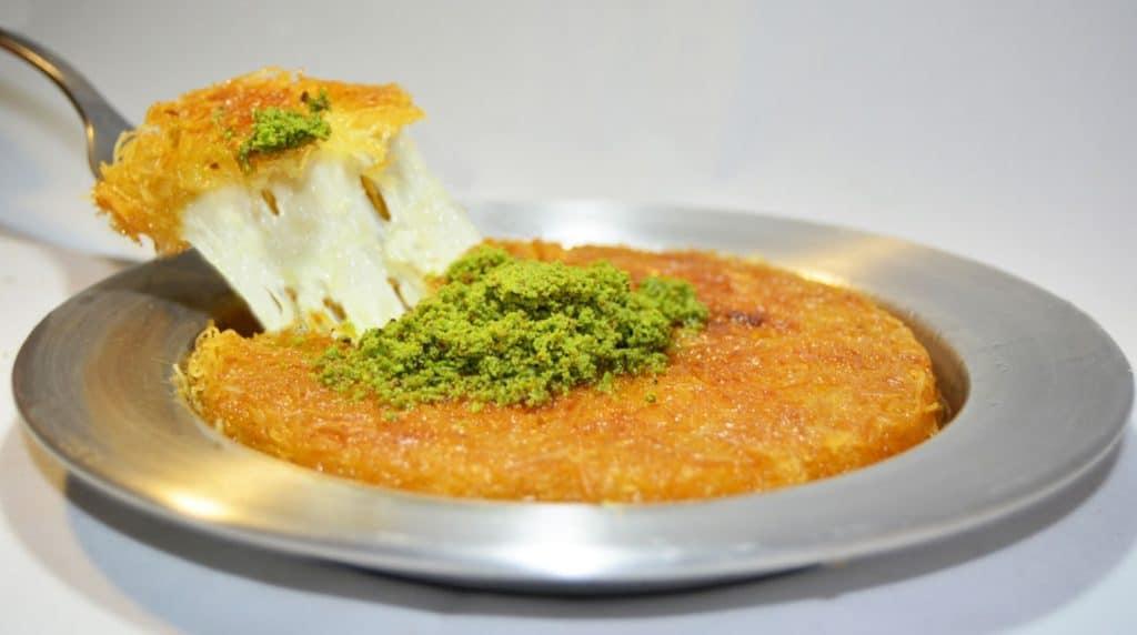 الكنافة حلويات شرقية رمضانية