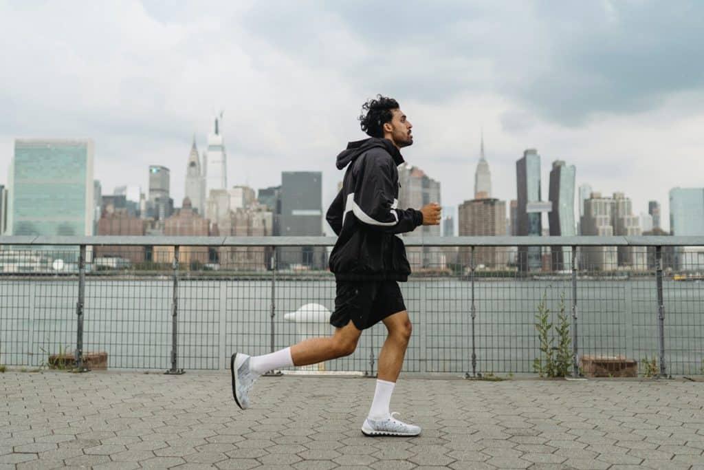 ممارسة الرياضة مفيدة في علاج الحموضة