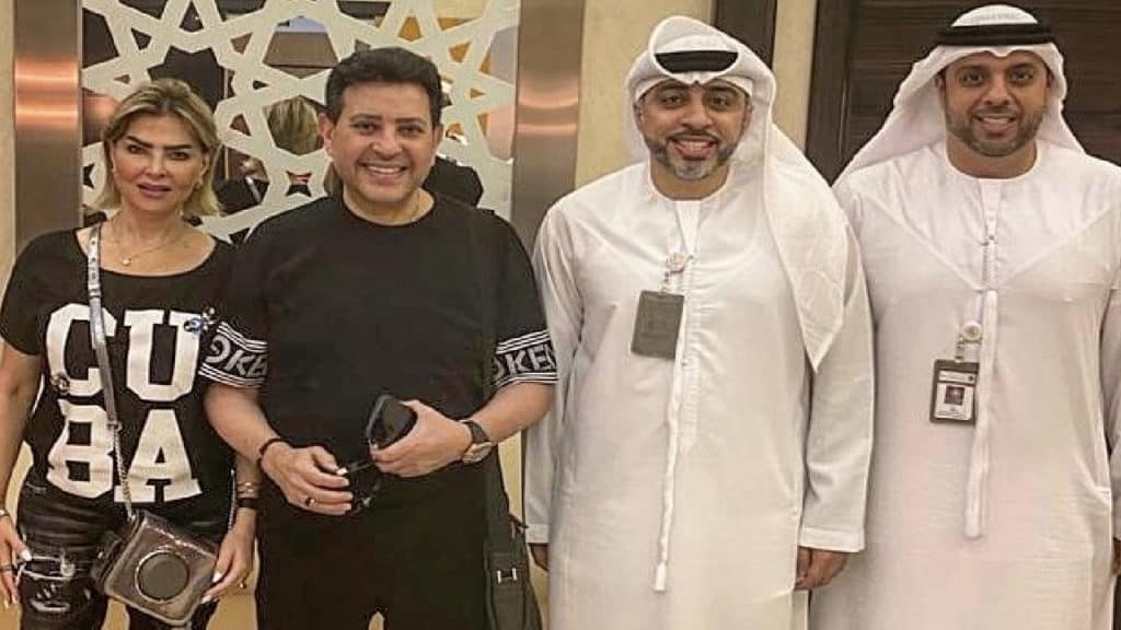 خلال حصوله على الإقامة الذهبية في دبي