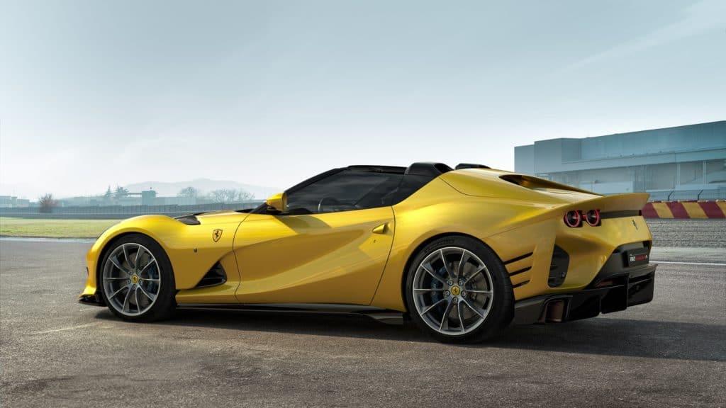سيارة فيراري الجديدة