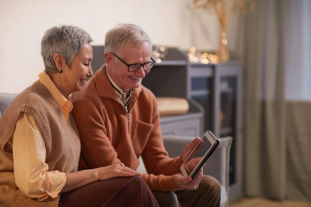 استغلي التكنولوجيا للتواصل مع العائلة