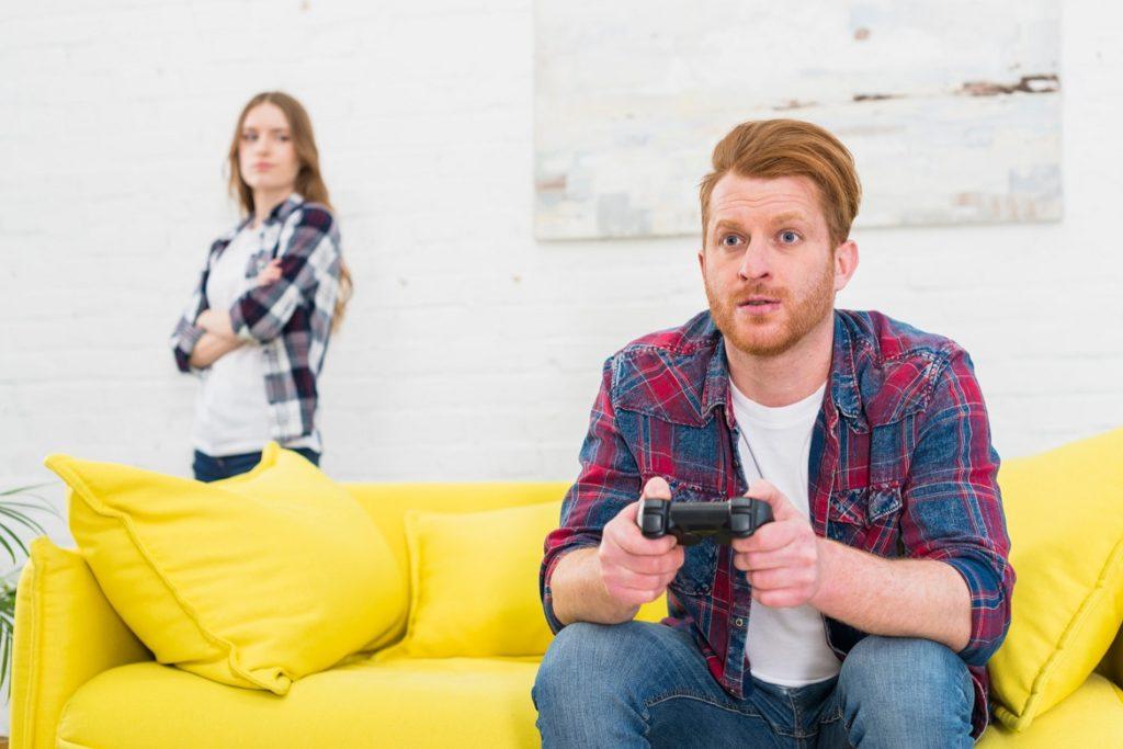 الإهمال صفات تكرهها النساء في الرجال