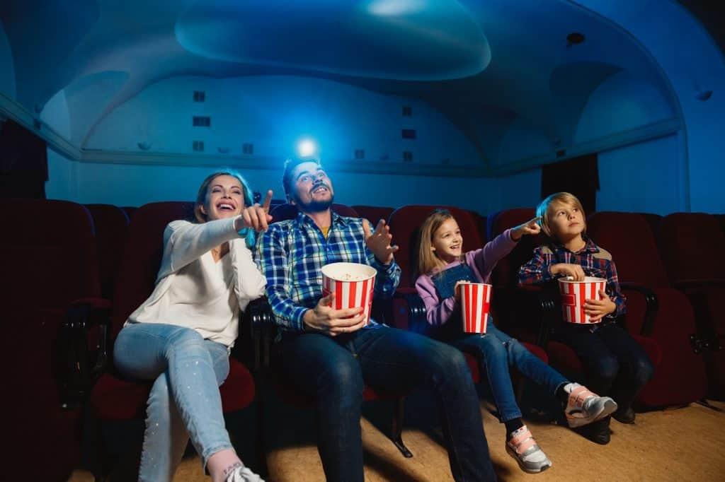 وقت السينما العيد في البيت