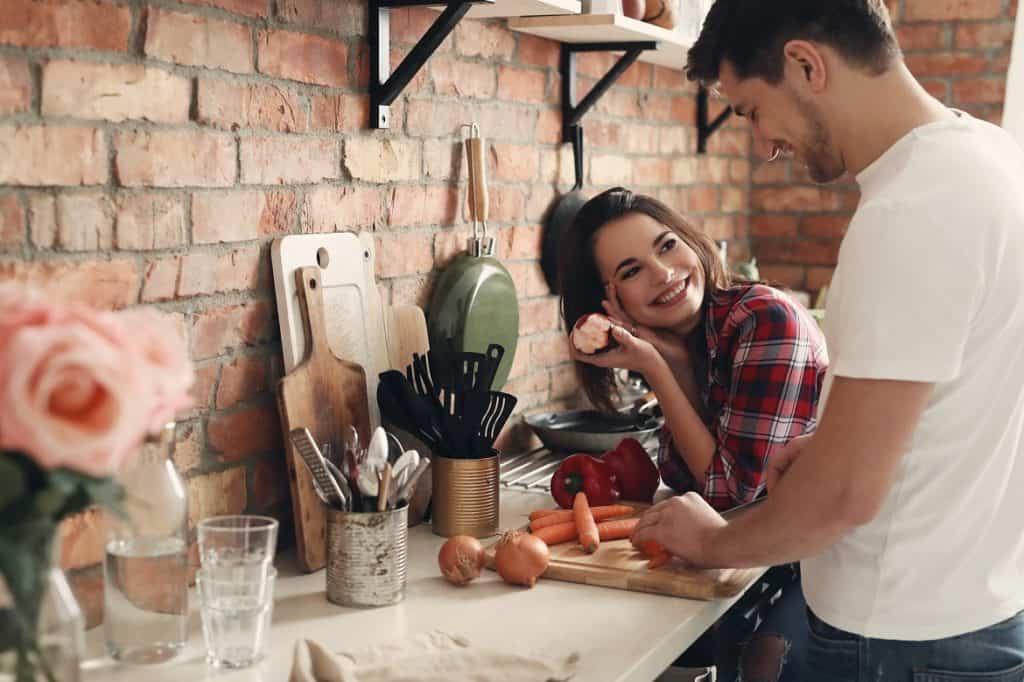 الحياة الزوجية قائمة على المشاركة