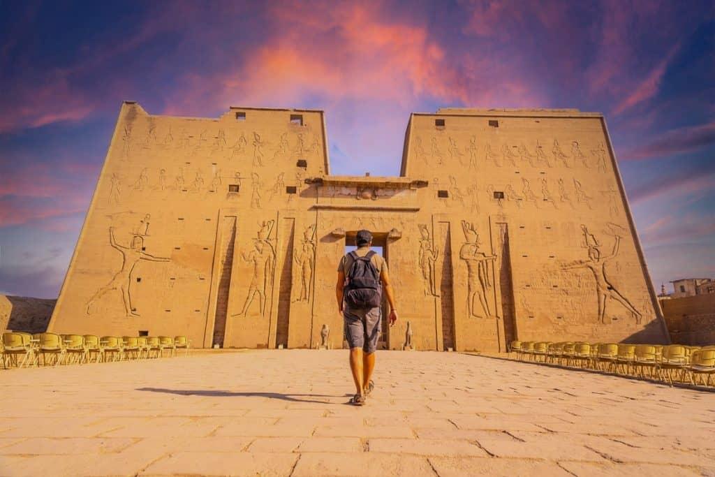 فوائد السفر للمناطق التاريخية