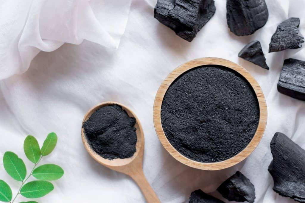 مادة سوداء مطحونة
