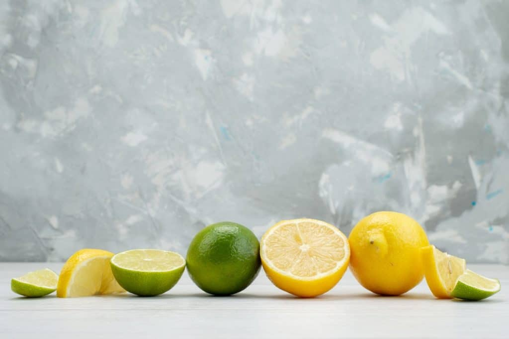 قشر الليمون تطويل الرموش وتكثيفها