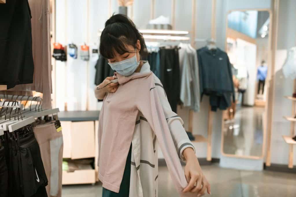 التسوق أنشطة مسلية للمراهقين