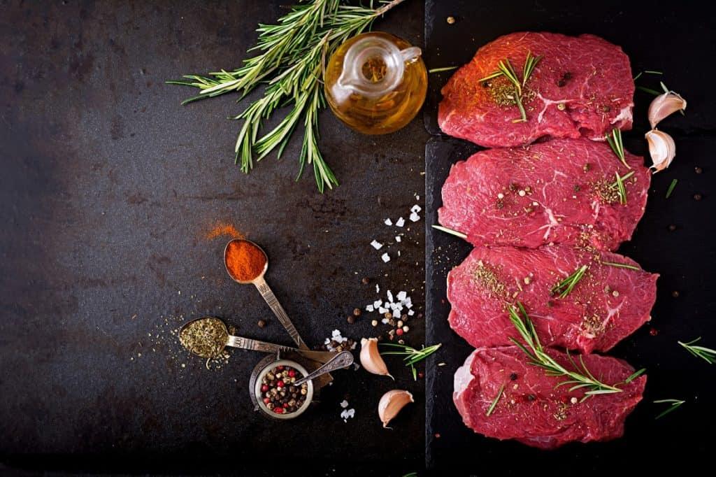 اللحوم الحمراء من أسباب النقرس