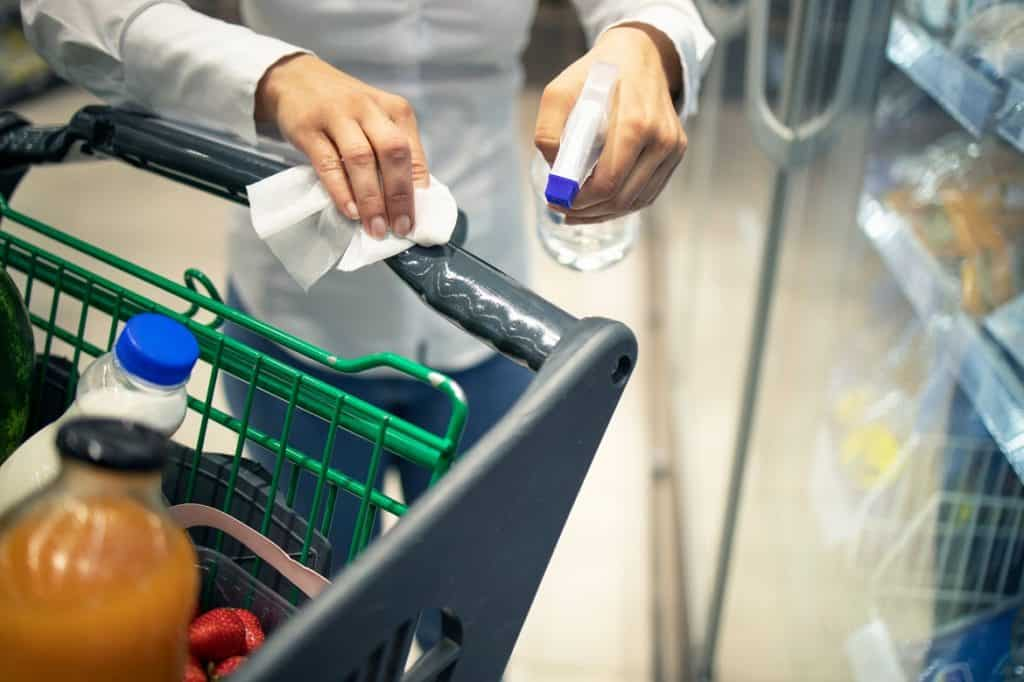 تعقيم عربة التسوق
