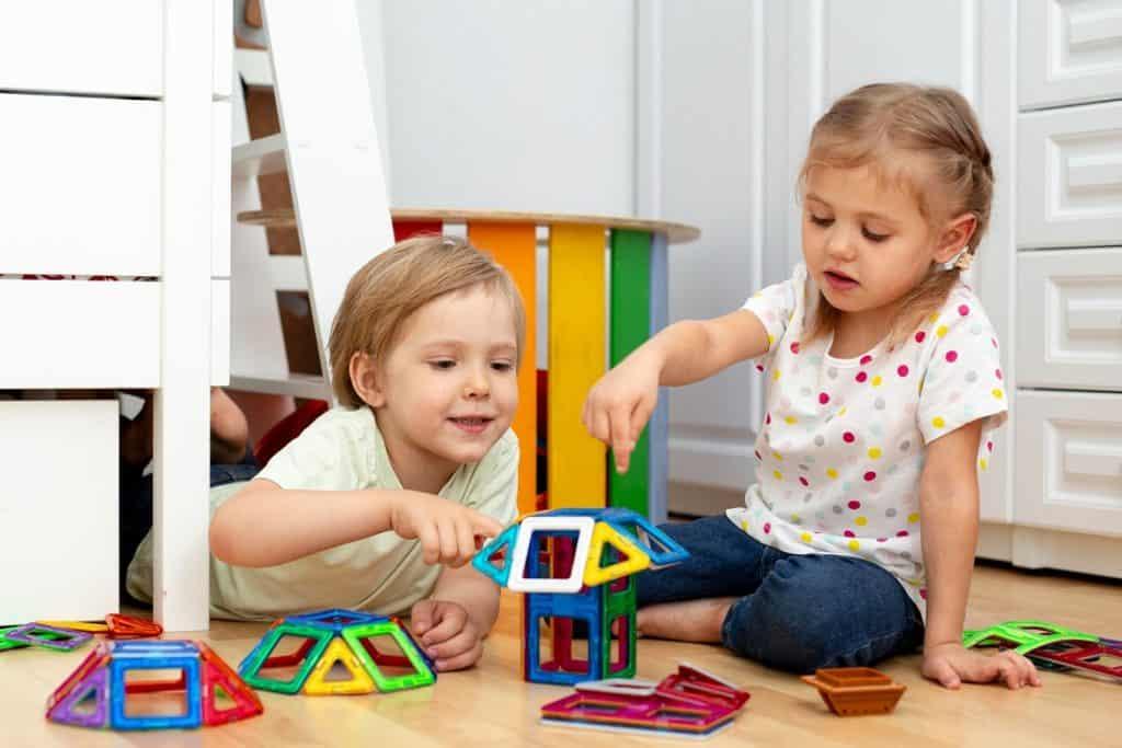 تسلية الأطفال في فترة الحظر