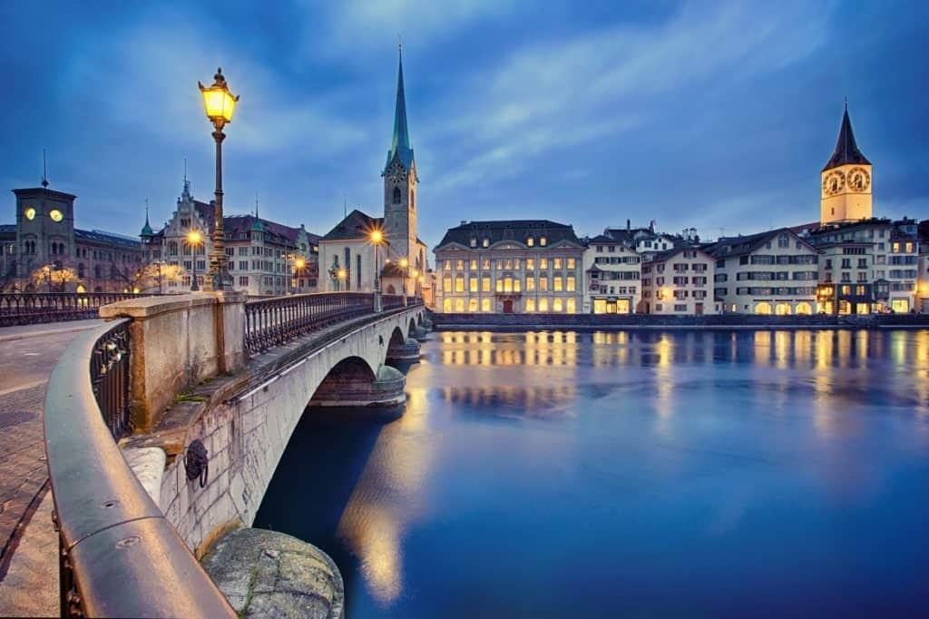 زيورخ - السفر إلى سويسرا