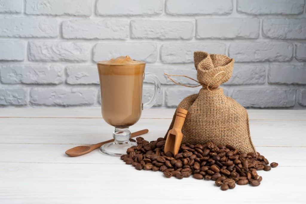 فوائد القهوة منزوعة الكافيين