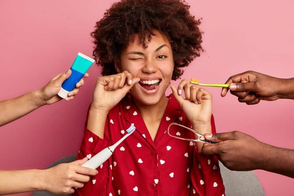 وصفات لعلاج اصفرار الأسنان