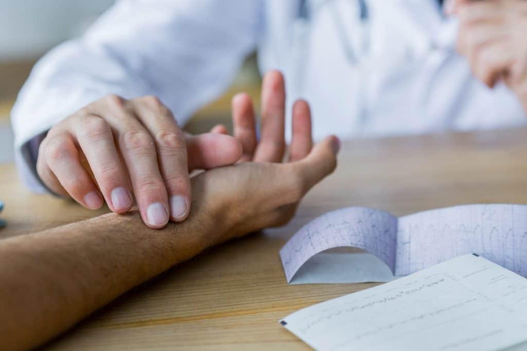 أعراض أمراض القلب عند الرجال