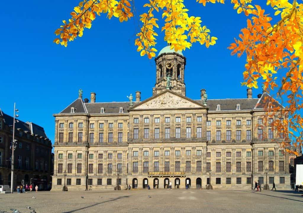 ساحة دام سكوير السياحة في هولندا أمستردام