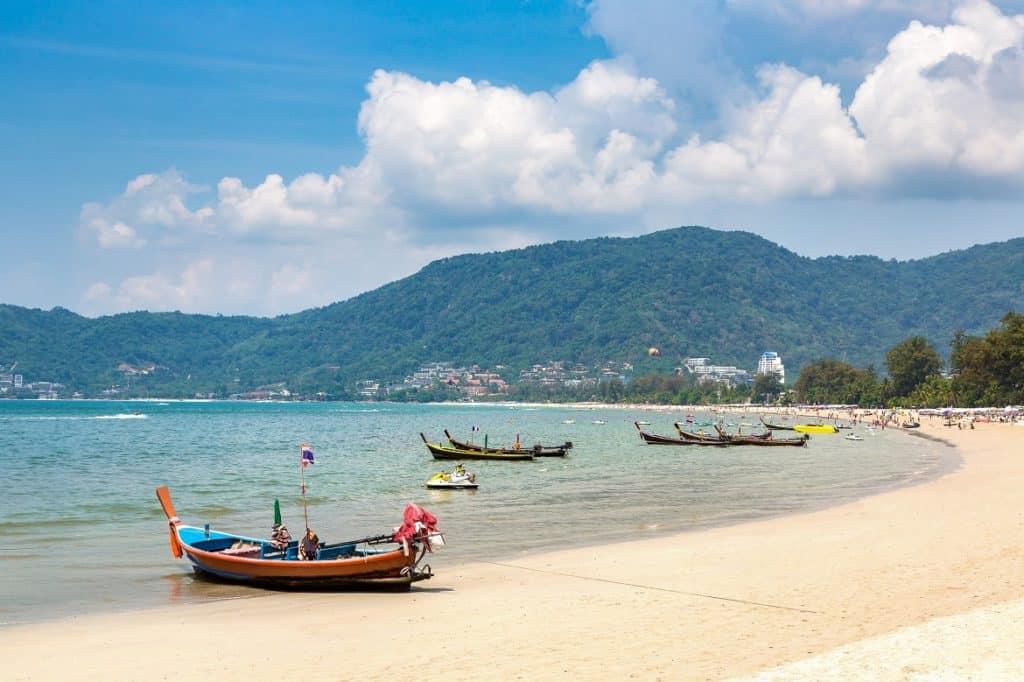 شاطئ باتونغ